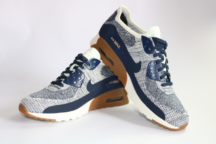 Air MAx 90 Ultra Flyknit (2)