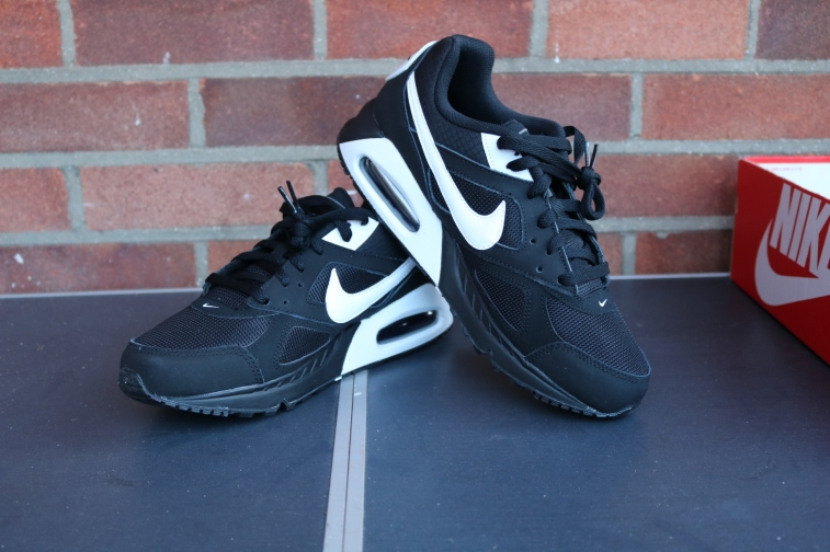 Nike Air Max IVO (1)