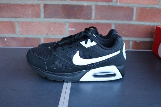 Nike Air Max IVO (4)