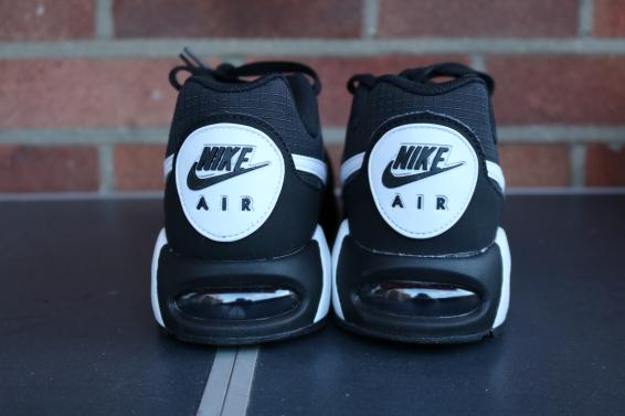Nike Air Max IVO (5)