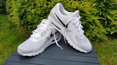 Nike Air Max Zero Essential (1)