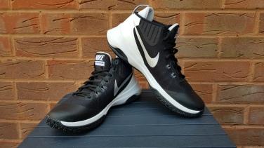 Nike Air Versitile (1)