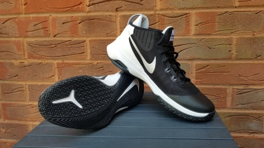 Nike Air Versitile (2)