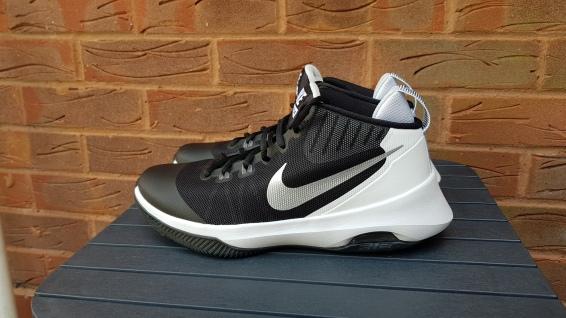 Nike Air Versitile (4)