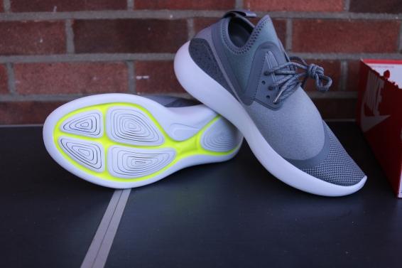 Nike Lunarcharge essential (2)