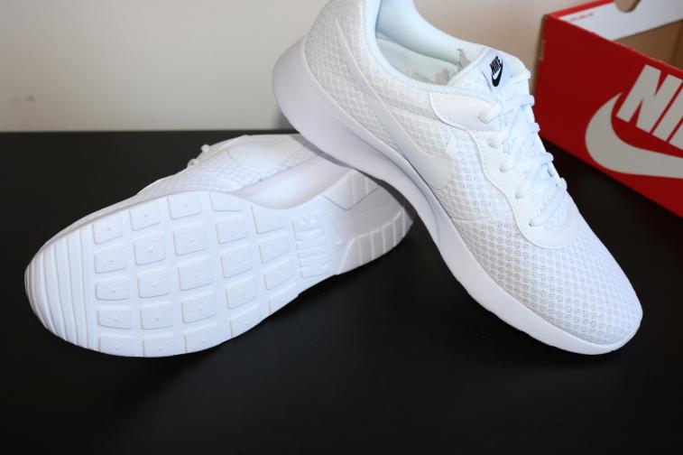 Nike Tanjun (1)